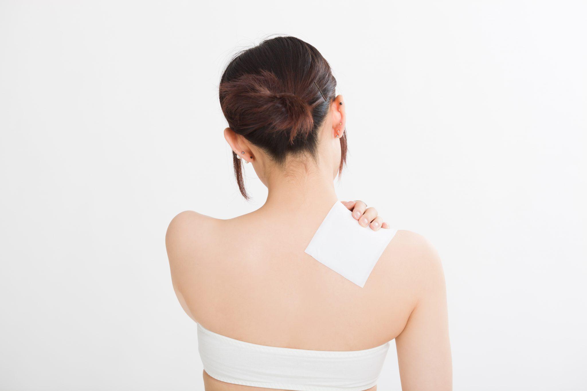 筋肉痛は湿布で解消しよう!貼るタイミングや痛みを和らげる方法3選