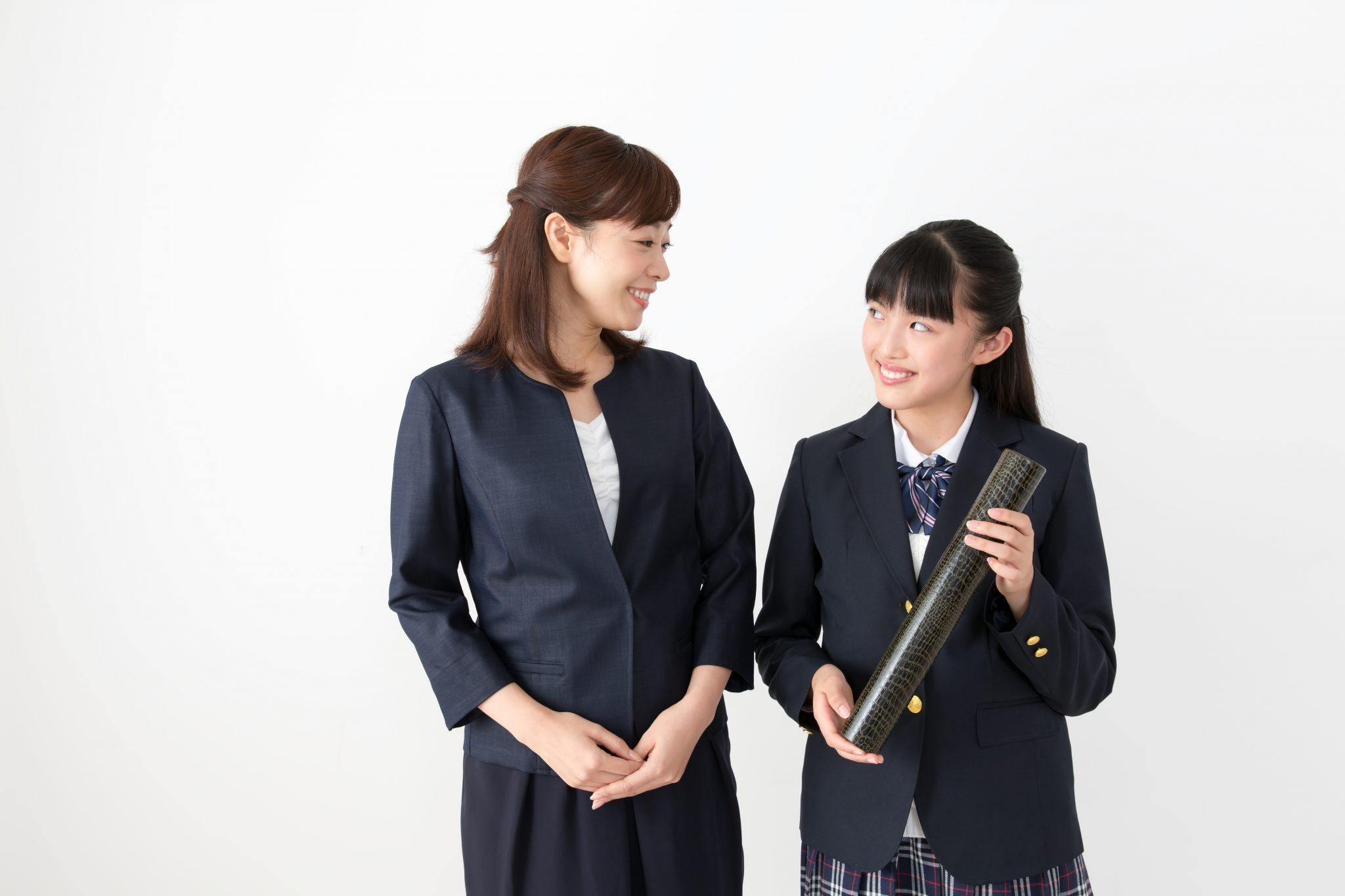 服装 卒業 式 母親